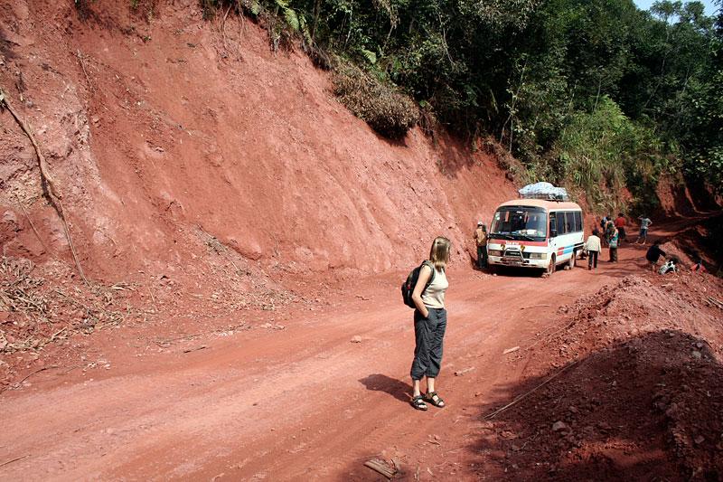 Autobus z uszkodzonymi hamulcami, Laos