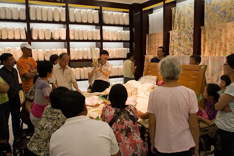 Sprzedaż jedwabiu, Tunxi, Chiny