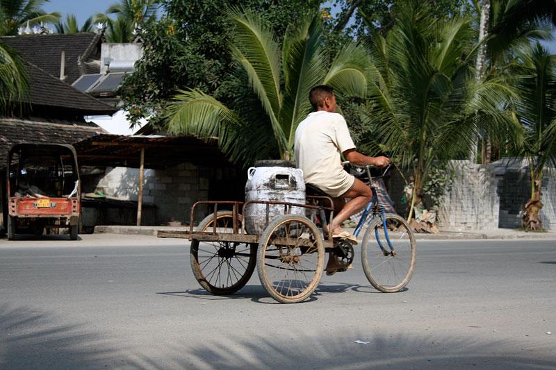 Rower w Chinach nie ma lekko, Ganlangba, Chiny 2006
