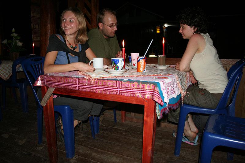 Kolacja przy świeczkach, Pak Beng, Laos