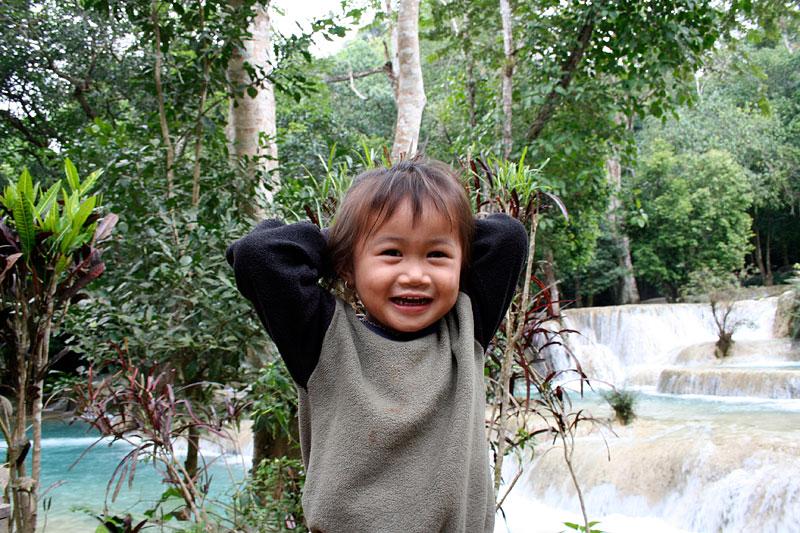 Dziewczynka znad wodospadu, Laos