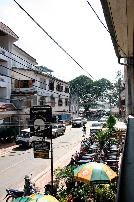 Widok z balkonu Full Moon Cafe, Vientiane, Laos