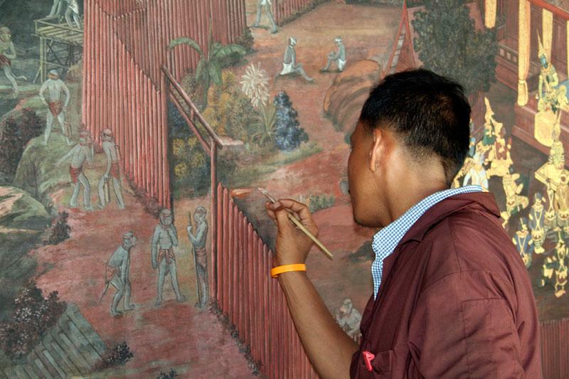 Odnawianie malowideł w pałacu królewskim, Bangkok, Tajlandia